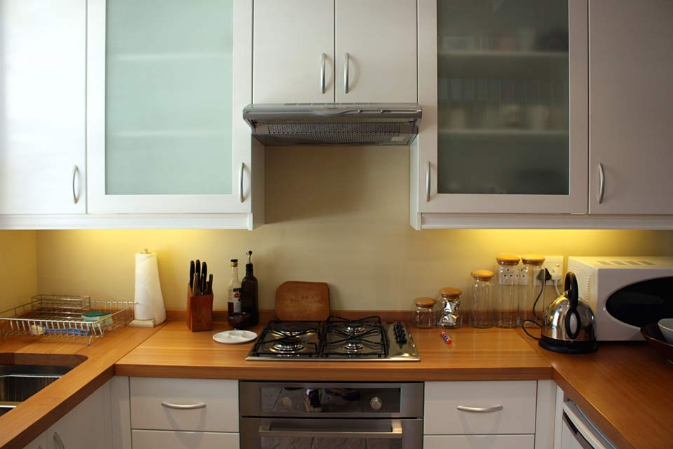 Kitchen gillespie dng interiors cape town south africa for Kitchen doors cape town