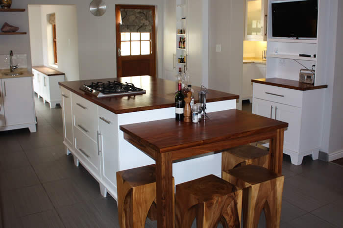 Kitchen davidson dng interiors cape town south africa for Kitchen island cape town