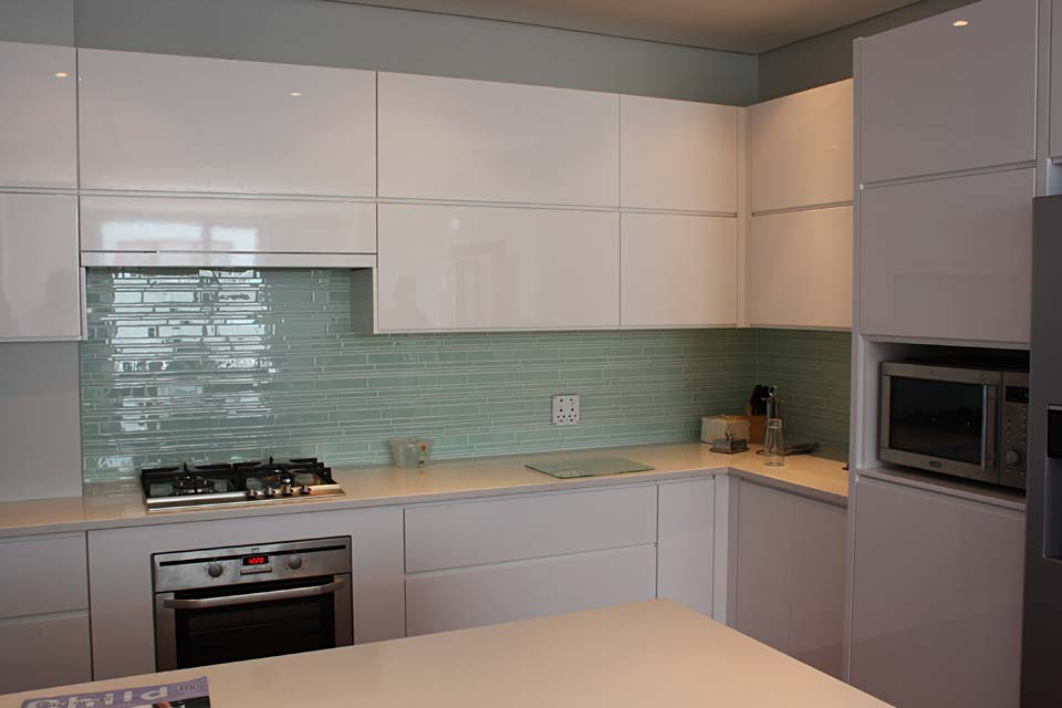 Kitchen ingpen dng interiors cape town south africa for Kitchen doors cape town