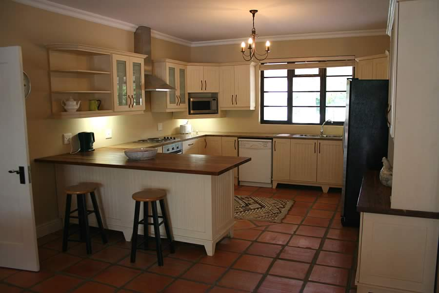 Free-standing Kitchens - DNG Interiors - Cape Town