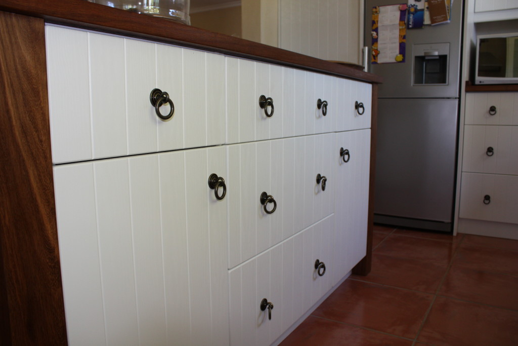 Kitchen paton dng interiors cape town south africa for Kitchen doors cape town