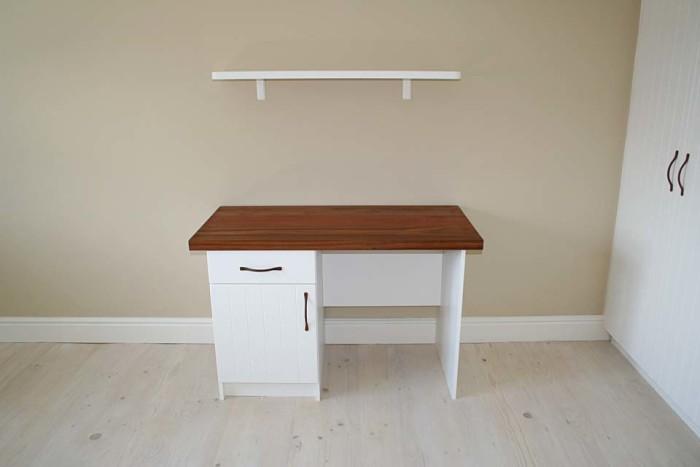 Off-white Woodgrain PVC-wrap & Kiaat
